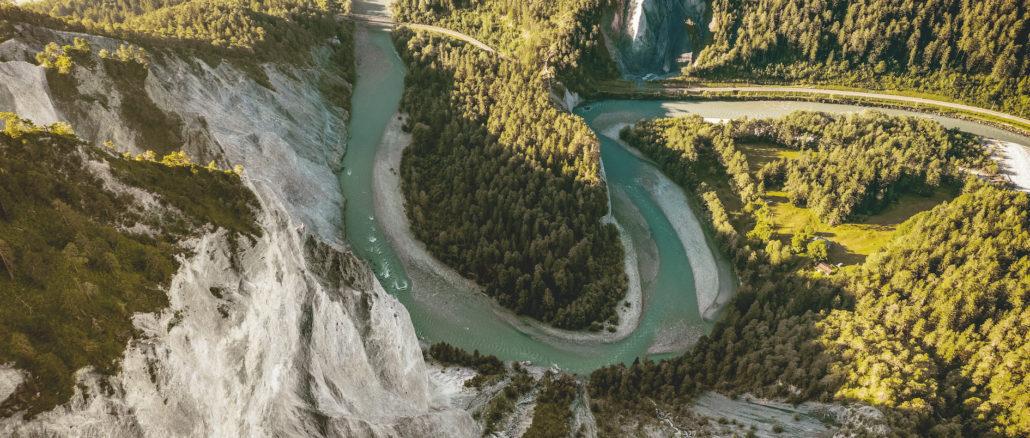 Vogelperspektive auf die Rheinschlucht | Urheber: Rob Lewis Photography | Quelle: Schweiz Tourismus PR
